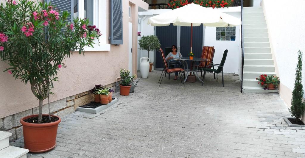 Ferienwohnung Maier Bad Dürkheim Hof 4 Bilder